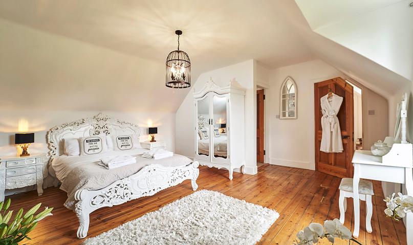 Mountain-Grange-0037-web-White-Bedroom.jpeg
