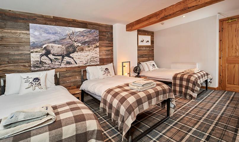 Big-Husky-Lodge-0018-web-Three-Bed-Bedroom.jpeg