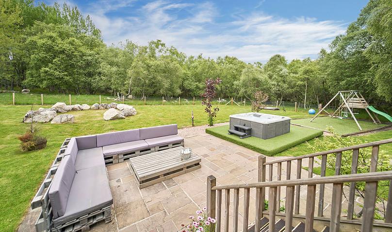 Big-Husky-Lodge-0075-Back-Garden.jpeg