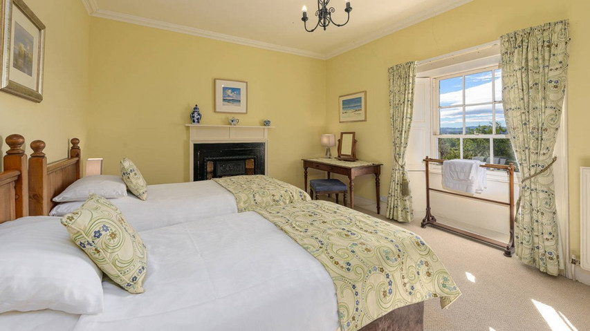 Farmhouse bedroom .jpeg