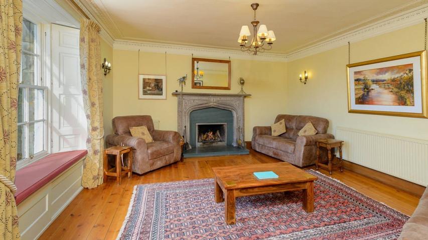 Winton Cottage-8 Living Room.jpeg