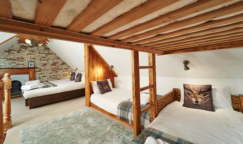 Mountain-Grange-0027-web-Family-Bedroom..jpg