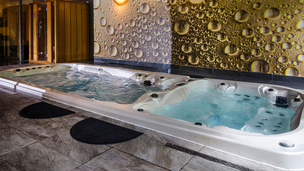 Greenloaning hot tubs spa
