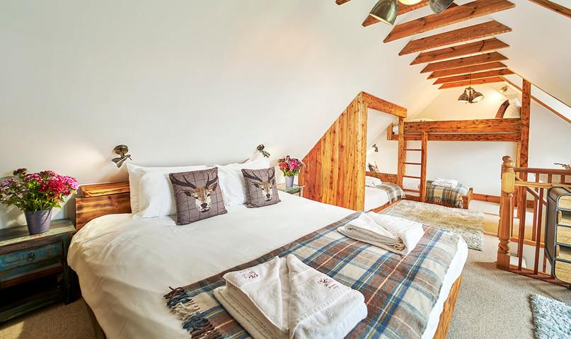 Mountain-Grange-0019-web-Family-Bedroom.jpeg