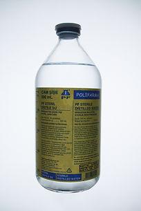 steril distile su cam şişe