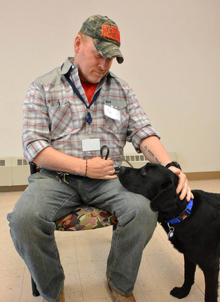 """Once suicidal, Marine veteran finds peace thanks to service dog: 'She saved me'"""