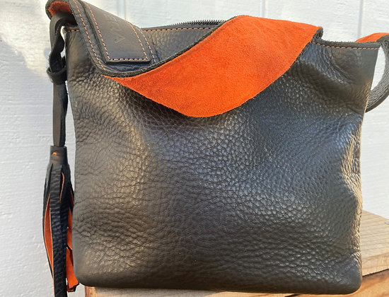 Small shoulder bag, Black leather lined with orange suede (w/zipper)