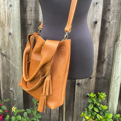 Shoulder bag AND a crossbody, Tan leather