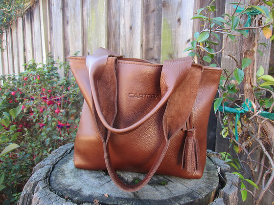 Large Shoulder bag, Brown leather (zipper)