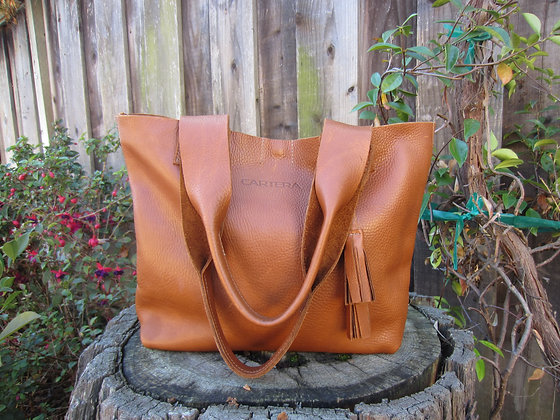 Large Shoulder bag, Tan leather (zipper)