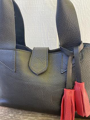 Shoulder bag, black leather purse with red tassel (zipper)