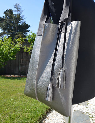 Tote, Silver metallic leather with black straps