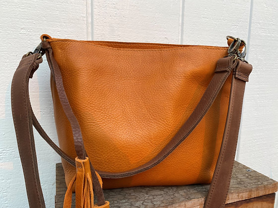 Crossbody & shoulder bag, Orange leather with 2 brown straps (zipper)