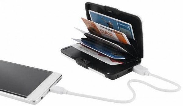RFID korttikukkaro ja powerbank