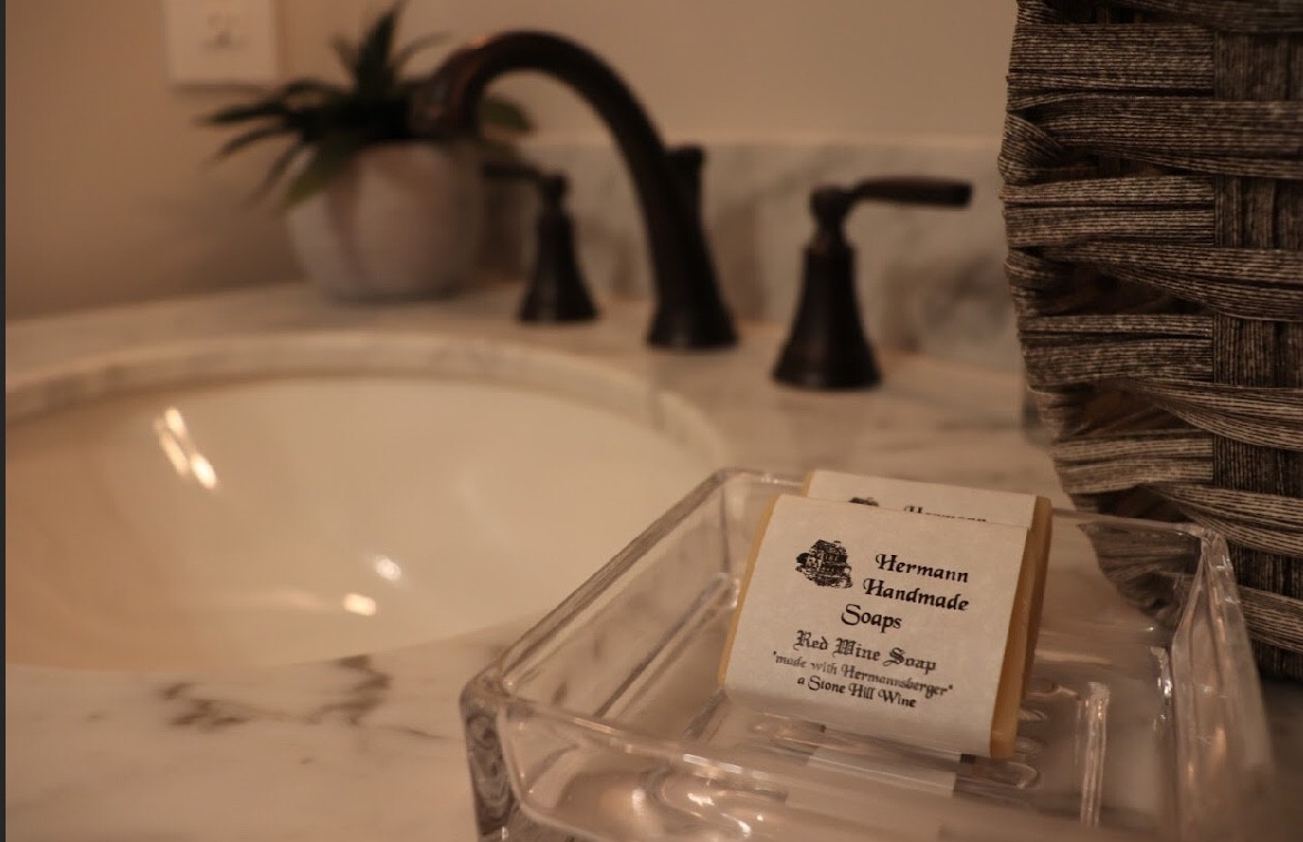 Hermann Handmade Soap Made With Stone Hill Hermannsberger Wine