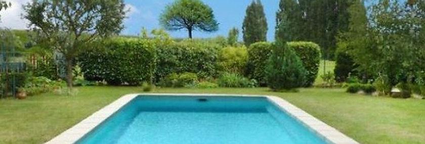 36 Montagnac piscine 10 X 4 X 1,50 m