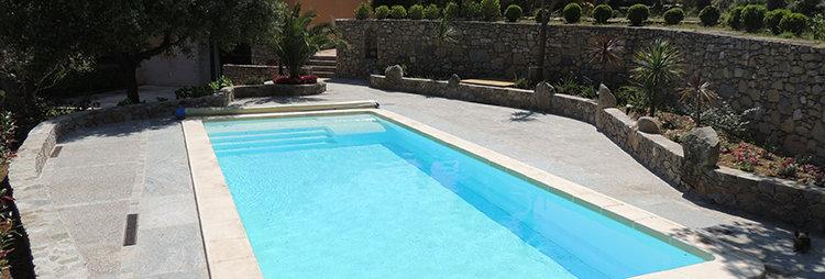 24 Sète piscine 10 X 4 X 1,50 m