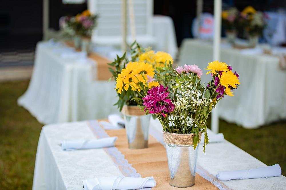 backyard-wedding-florals