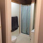 Quaint Cottage D, stand up shower, clean bathroom