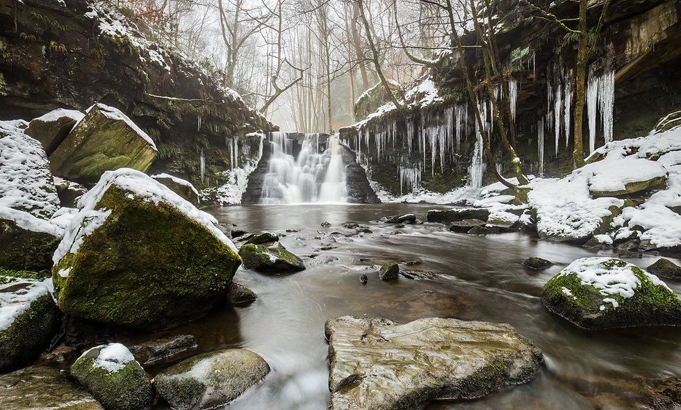 Frozen Goit Stock Falls