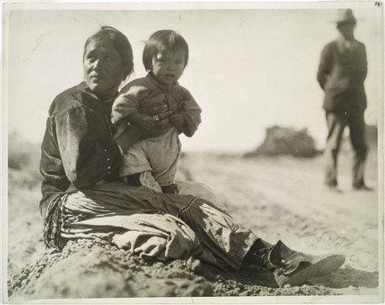 Navajo mother and child, Gallup, NM