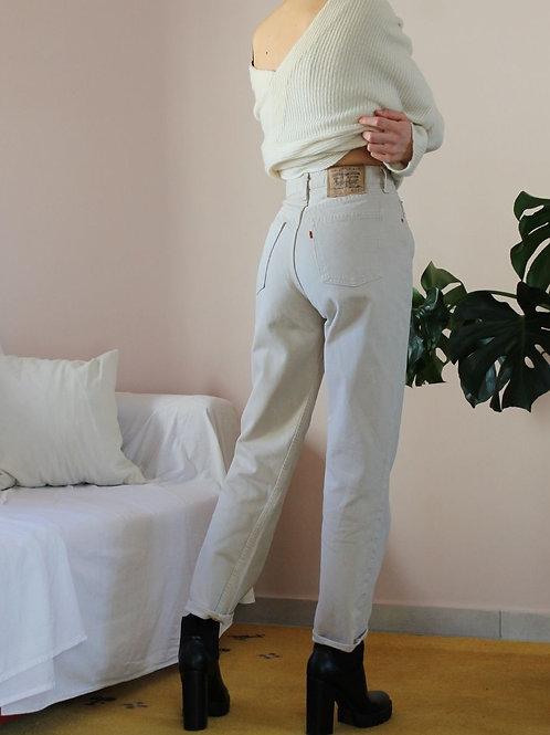 90s Vintage  Straight Leg Levis 882 Jeans in Beige, W27/L28