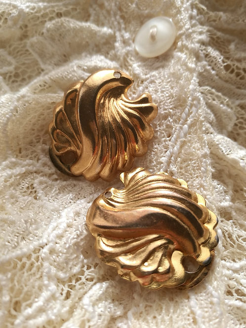Vintage Gold Toned Clip On Statement Shell Earrings
