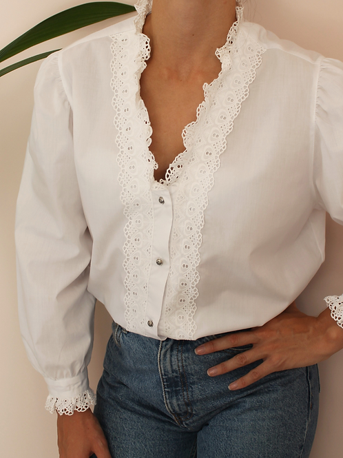 Vintage Embroidered Blouse in White with Long Sleeves
