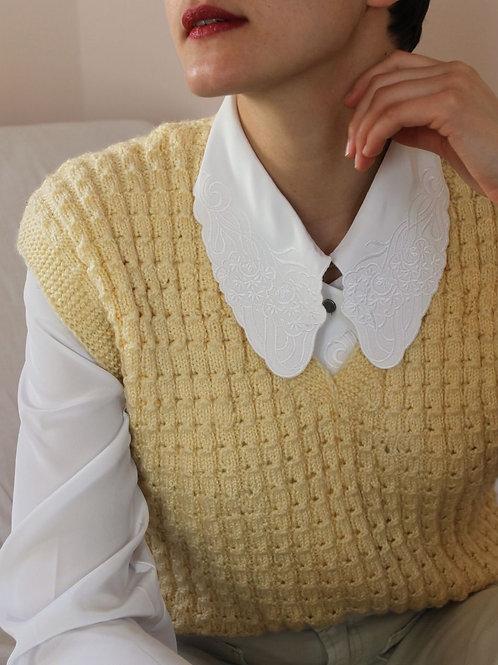 90s Vintage Handknit Sweater Vest in Cream White