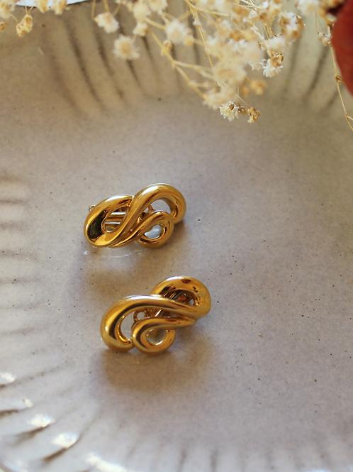 Vintage 70s Gold Toned Swirl Earrings
