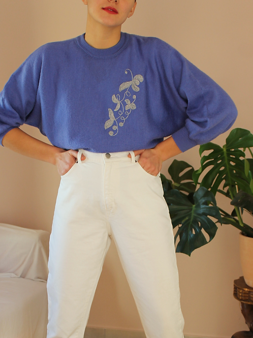 Vintage 90s Embroidered Sweater in Blue