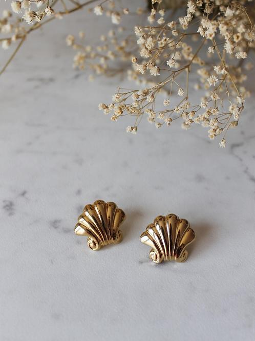 Vintage Gold Toned Shell Earrings