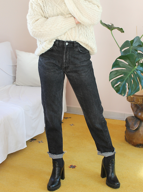 90s Vintage Mid Waisted Jeans in Washed Black, W35/L28