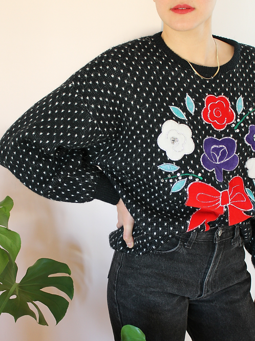 90s Vintage Embroidered Sweater in Black