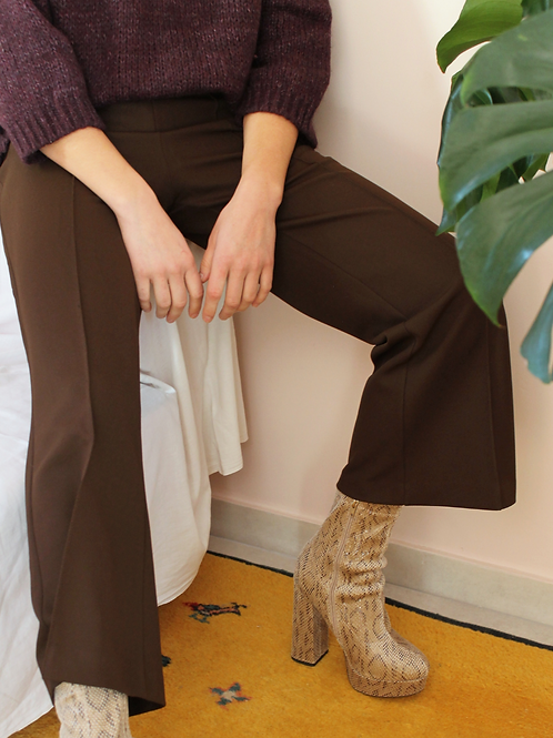 Vintage 70s High Waisted Flares in Dark Brown, W31/L26