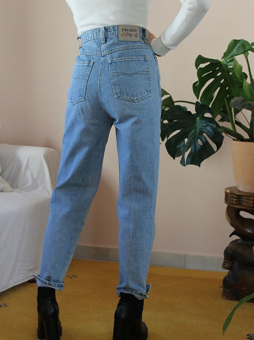 90s Vintage High Waisted Blue Jeans , W28/L28
