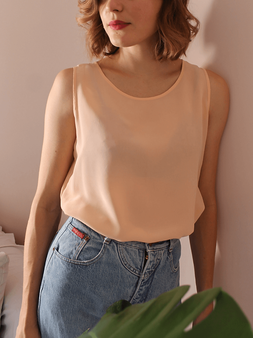 90s Vintage Silk Top in Pastel Peach - (EU42-44)