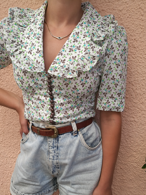 Vintage Ruffle Neck Floral Blouse in White and Green