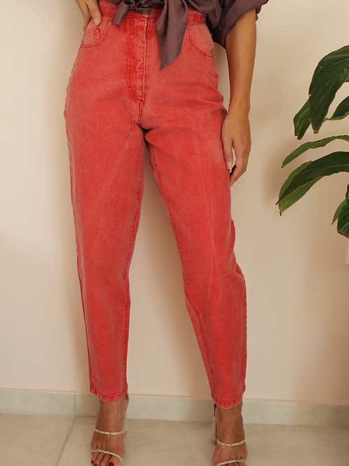 """Vintage High Waisted Mom Jeans in Red, W26"""" / L30"""""""