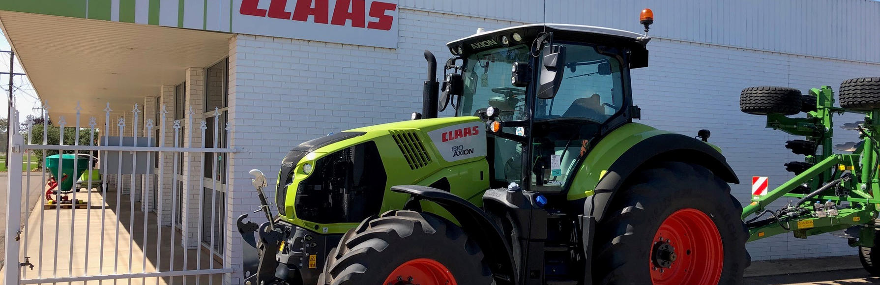 1x ONLY - NEW Claas Axion 810