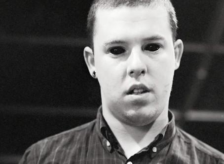 時尚鬼才Alexander McQueen:窮盡一生營造的夢境就是矛盾