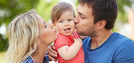 Papa, mama y el bebe