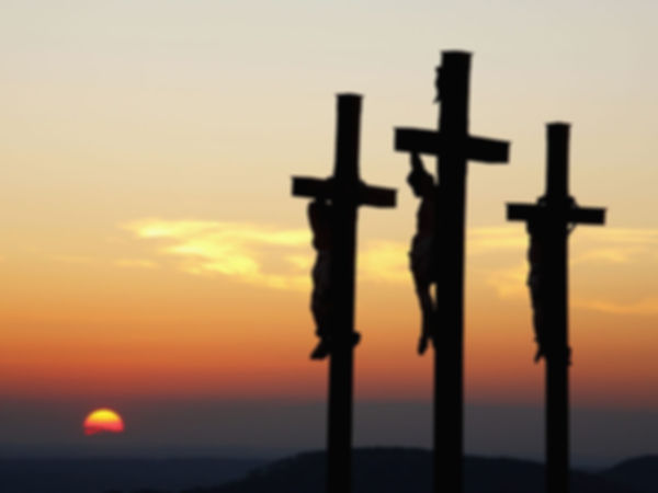 dos pecadores al lado de Cristo