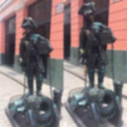 estatuas vivas en La Habana