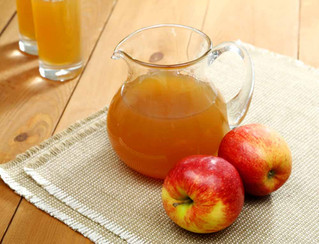 10 Ways Apple Cider Vinegar will Revolutionize your Health & Home