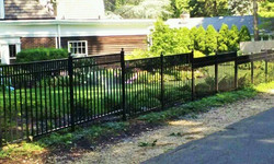 Customize Estate Fence- stepped