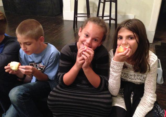 Drama cast eatting apples.jpg