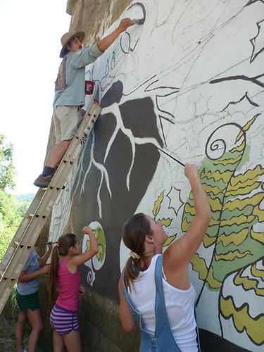 Murals Eddie on ladder good.jpg