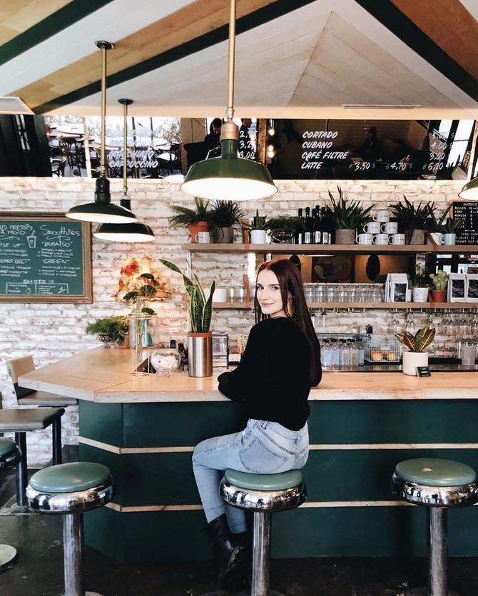 Les 8 cafés à Montréal où tu voudras absolument être pris en photo