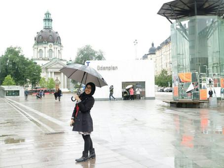 Au Pair Mira : Menyeberang Jalan Sambil Menutup Mata di Swedia?